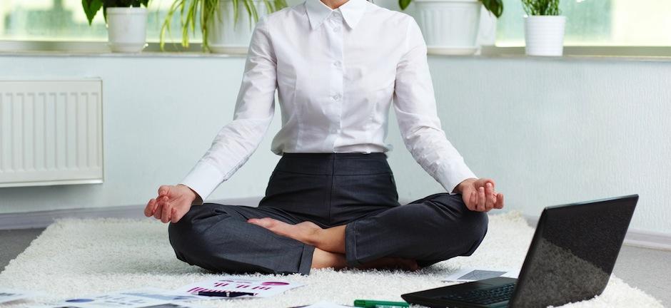 Comment lutter contre le stress au quotidien - Lutter contre le sommeil au bureau ...