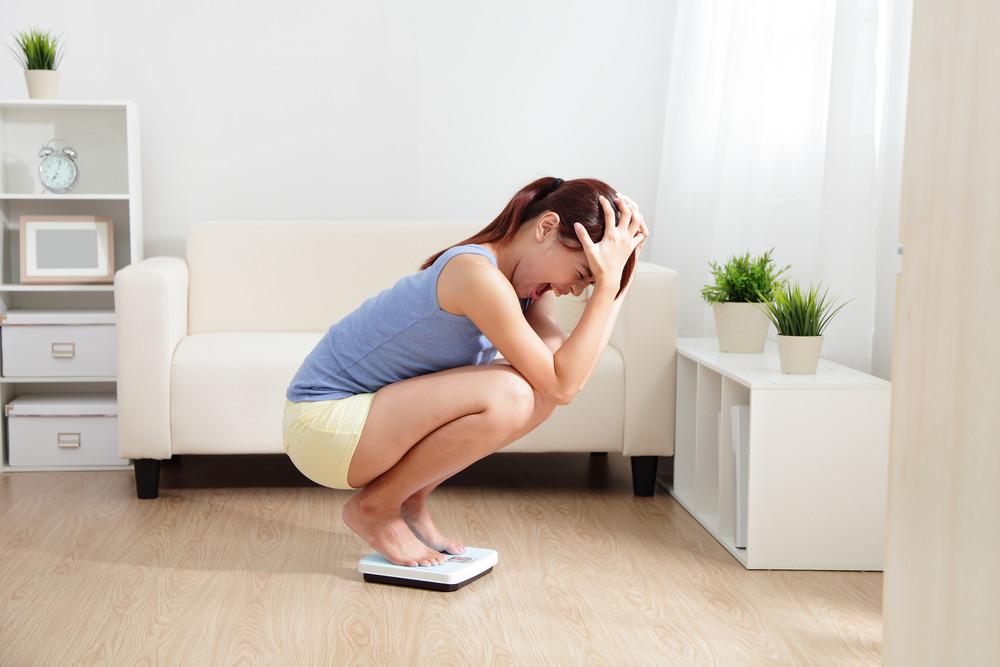 Biais 10 : Vous laissez votre poids sur la balance affecter votre humeur pour le reste de la journée