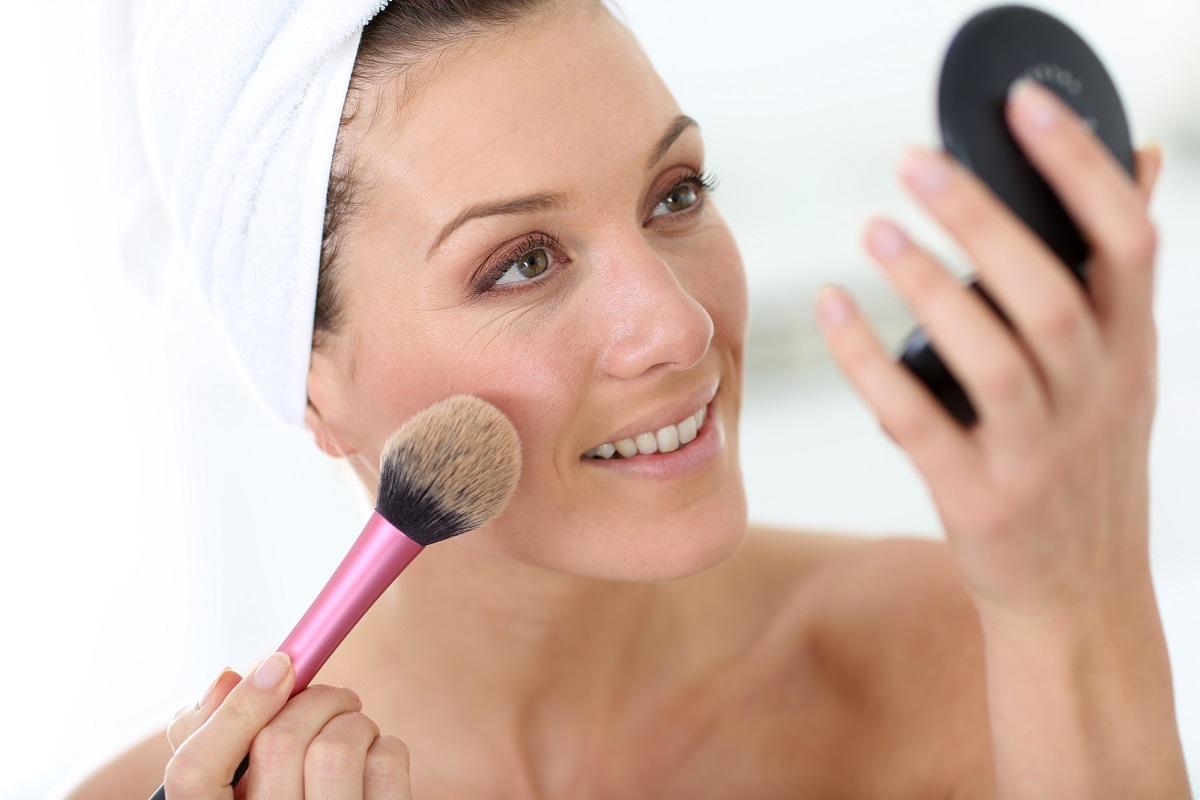 10 astuces beauté pour rajeunir votre peau en un instant