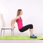 8 exercices fitness et musculation à réaliser avec une chaise !