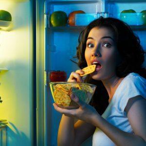 Je mange normalement mais j'ai tout le temps faim : pourquoi ?